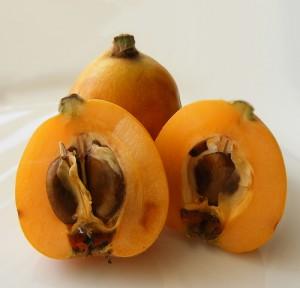 Плоды мушмулы, она же локва